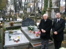 Przy grobie Kazimierza Sikorskiego