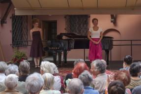 Anna Leśniewska - sopran, Małgorzata Warcaba - fortepian