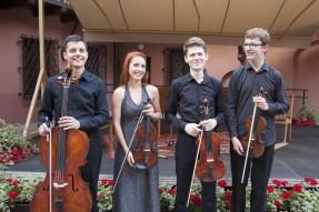 Nikola Gajownik - skrzypce, Aleksander Daszkiewicz - skrzypce, Jan Snakowski - altówka, Jakub Gajownik - wiolonczela